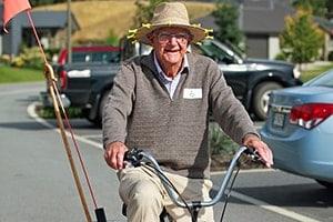 having-fun-cycling-min-aspiring-lifestyle-retirement-village-wanaka-new-zealand-min-min