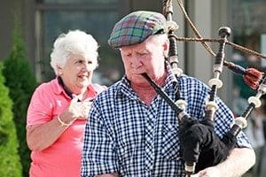 playing-the-bagpipes-min-aspiring-lifestyle-retirement-village-wanaka-new-zealand-min-min