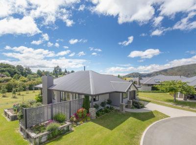 Prime position villa for just $699,000*